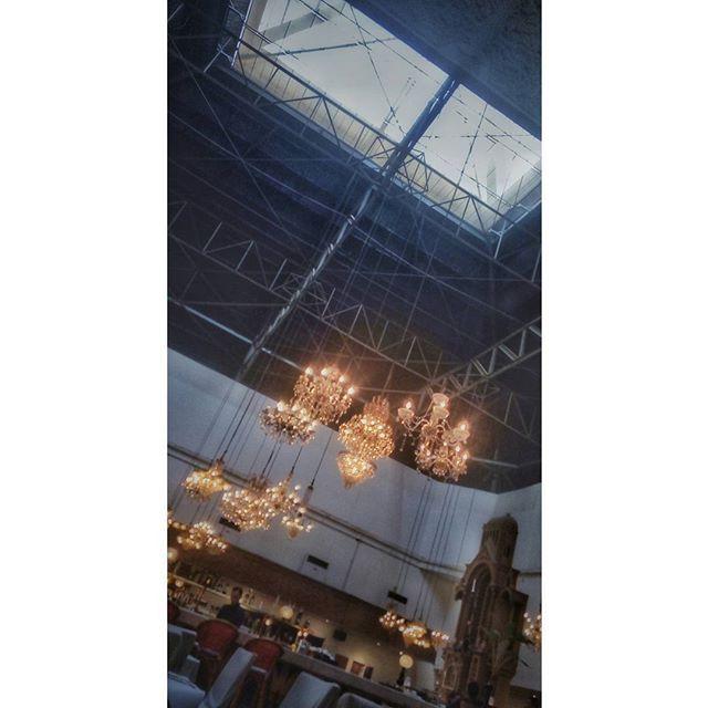 Hangar, hangin lamp
