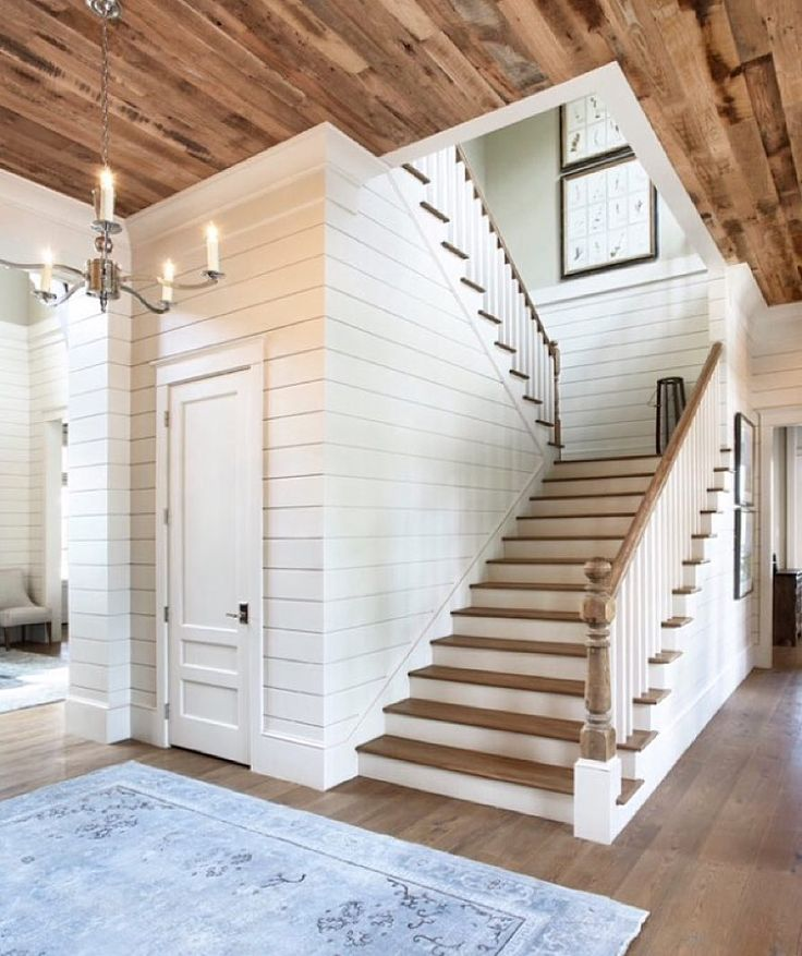 Best 25 Farmhouse Stairs Ideas On Pinterest: 25+ Best Ideas About White Siding On Pinterest