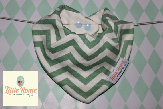 Little Rome's super absorbent 100% Organic cotton and bamboo pleated dribble bibs. Green Chevron. One size. 0-5 years