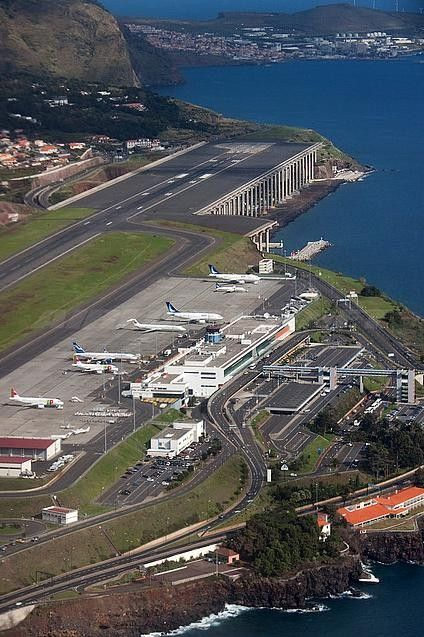 #Madeira_Airport in #Santa_Cruz - #Portugal http://en.directrooms.com/hotels/district/2-37-609-5701/