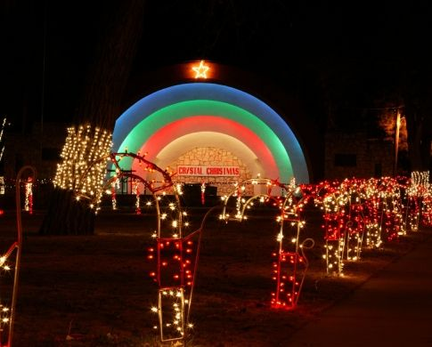 17 christmas light displays in oklahoma that are pure magic