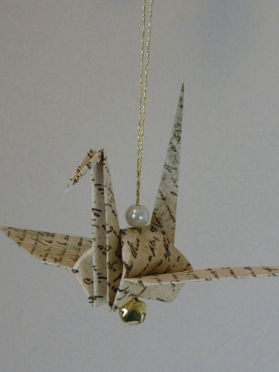 Hey, ho trovato questa fantastica inserzione di Etsy su https://www.etsy.com/it/listing/216095339/origami-giapponesi-ornamento-di-gru-di