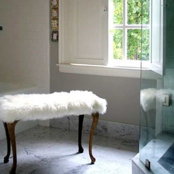 Just Perfect For The Bathroom   Imagine Your Bare Toosh On That Seat!  Little Green