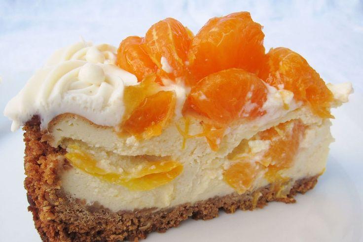 """<p class=""""aantalpersonen"""">12 porties</p> <p class=""""bereidingstijd"""">75 minuten</p> <p style=""""font-style:italic;"""">Deze Mandarijn Cheesecake is heerlijk fris en fruitig en daarom é�..."""