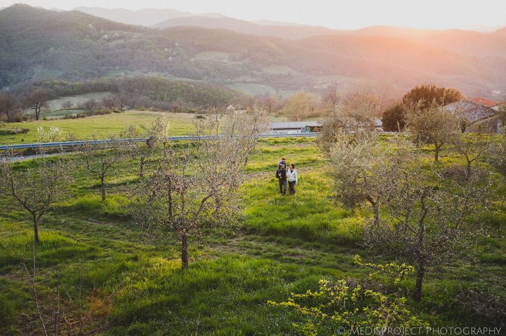 Mugello, just 35kms north of Florence... so inspiring! Springtime family portrait | Photo session in Mugello -
