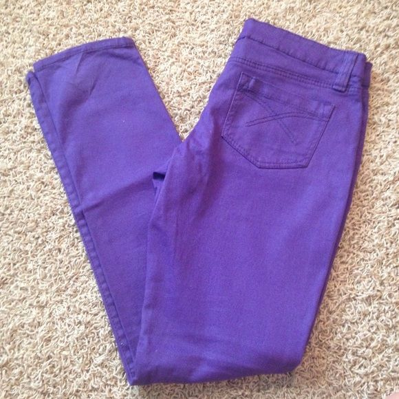 Purple skinny jeans Never worn. In great condition. Miley cyrus and max azria Pants Skinny