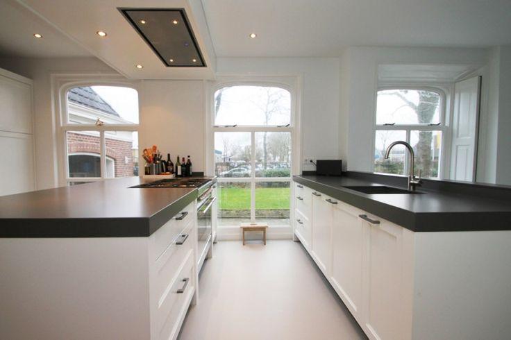 JP Walker witte klassieke houten keuken