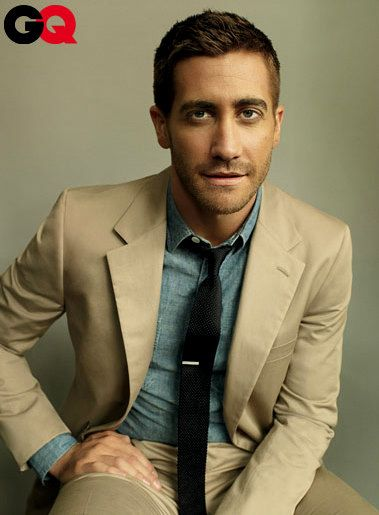 Stylish Man, Colors Combos, Denim Style, Summer Suits, Chambray Shirts, Denim Shirts, Men Fashion, Men'S Fashion, Jake Gyllenhaal