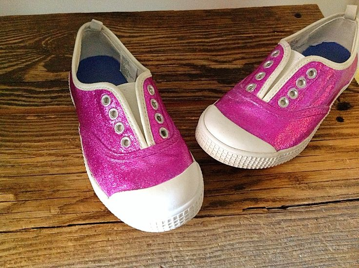 DIY upcycled shoes to Doc Mcstuffins shoes