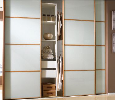 25 best ideas about sliding wardrobe doors on pinterest for Apartment wardrobe design