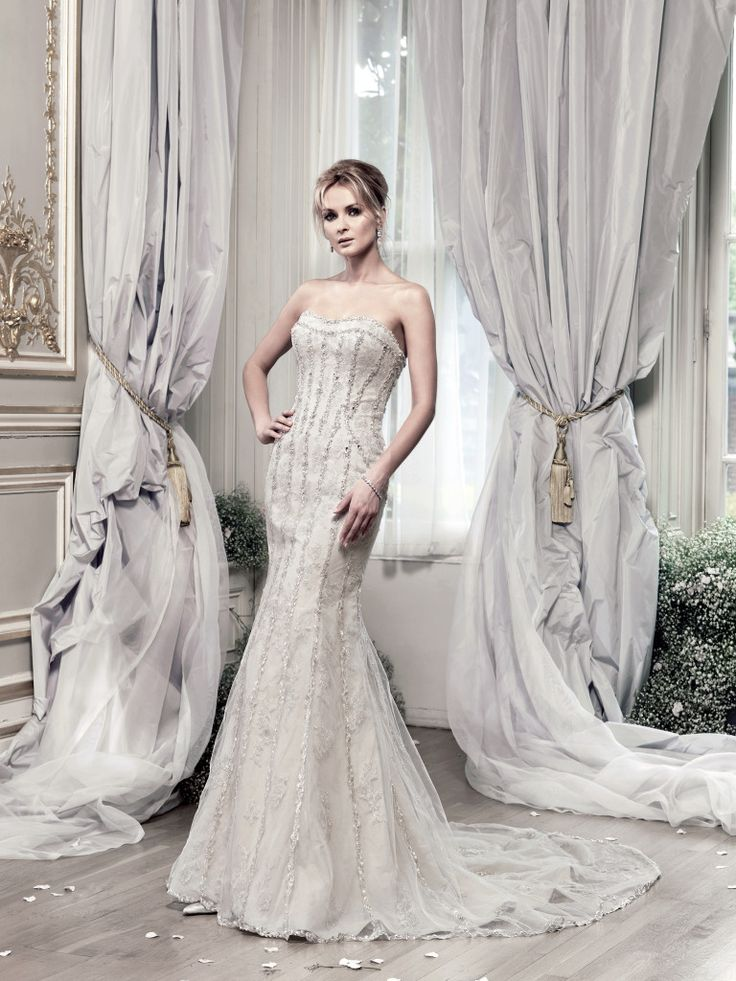 Ian Stuart- Evangelista, rich lace detail with heavy beaded overlay. The Tailor's Cat, Cambridge 01223 366700