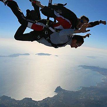 Saut en Parachute Tandem Saint Tropez 83 - Sport Découverte - www.sport-decouverte.com