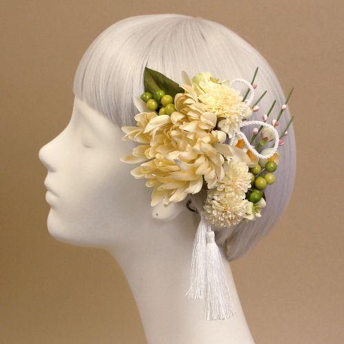 アレンジパーツ/白梅とタッセル(白) - ウェディングヘッドドレスと花髪飾り【airaka(アイラカ)】