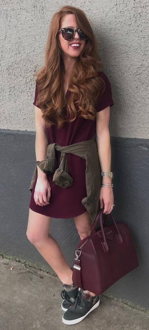 fashionable fall outfit idea : maroon dress + shirt + bag + sneakers