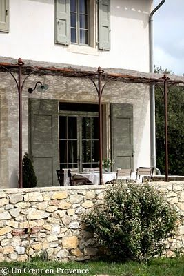 Pretty patio in Provence, FranceEsprit Provence, Country Cottages, Selection Pieces Grap, French Pergolas, Dreams, Country Living, French Country, Gardens, Provence House