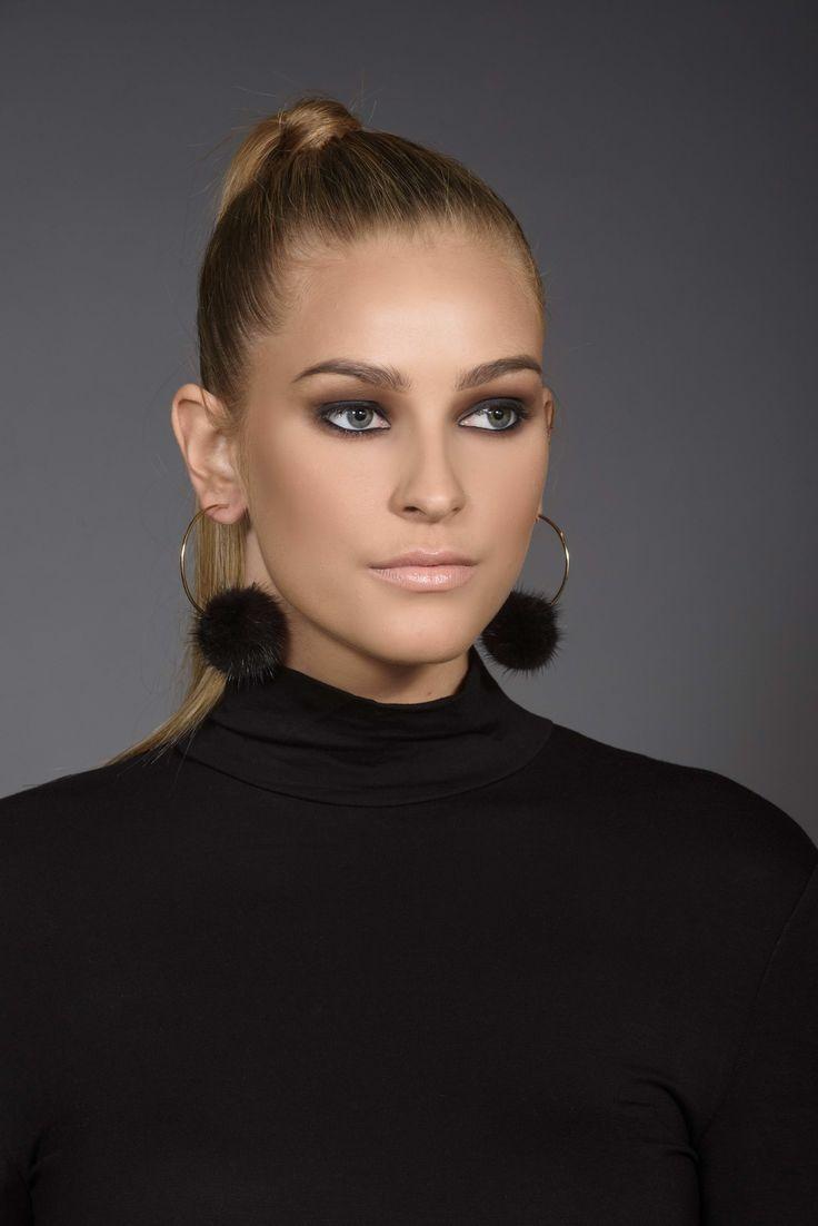 Fur accessories : Hoop Earrings with fur pompom
