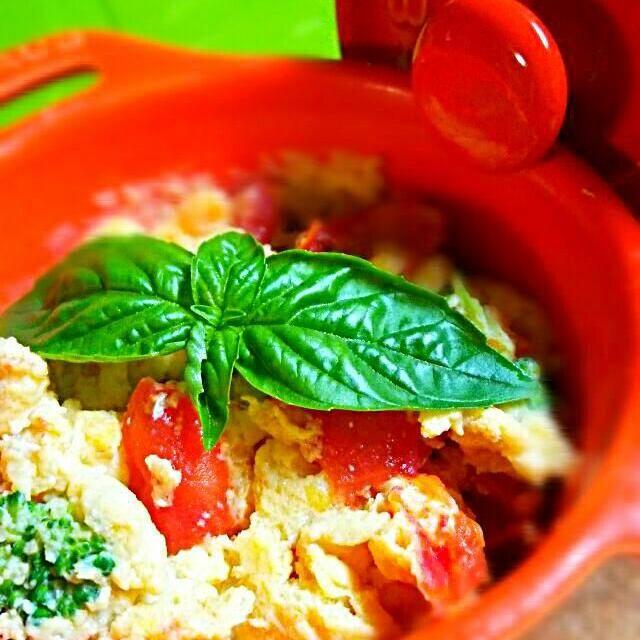 朝によく作る卵料理です♪ ミニトマトの甘さが出て美味しいです(*^^*) - 55件のもぐもぐ - レンジでパパっと♪トマト&ブロッコリーのスクランブルエッグ(^^) by Piaget07