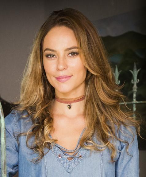 Os acessórios rústicos de Melissa (Paolla Oliveira), em Além do Tempo
