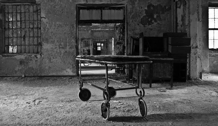 We love looking at creepy photographs of former mental institutions that have fallen into disrepair, but sometimes the true stories behind these hospitals is far more horrifying. Here are a few abandoned and partially abandoned institutions will tales more chilling than their photographs.