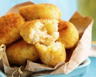Croquetas au fromage cuites au four : http://www.fourchette-et-bikini.fr/recettes/recettes-minceur/croquetas-au-fromage-cuites-au-four.html