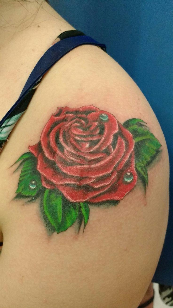 Tattoo rosa realista
