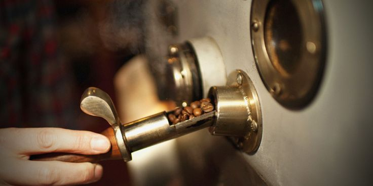 Το καβούρδισμα είναι η διαδικασία ψησίματος των κόκκων του καφέ που απελευθερώνει τα αρώματα της ποικιλίας και δίνει το χαρακτηριστικό καφέ χρώμα.