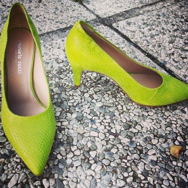 """Décolleté www.danieletucci.com La qualità del vero made in Italy. """"Normalmente diverse"""" ma... Fashion."""