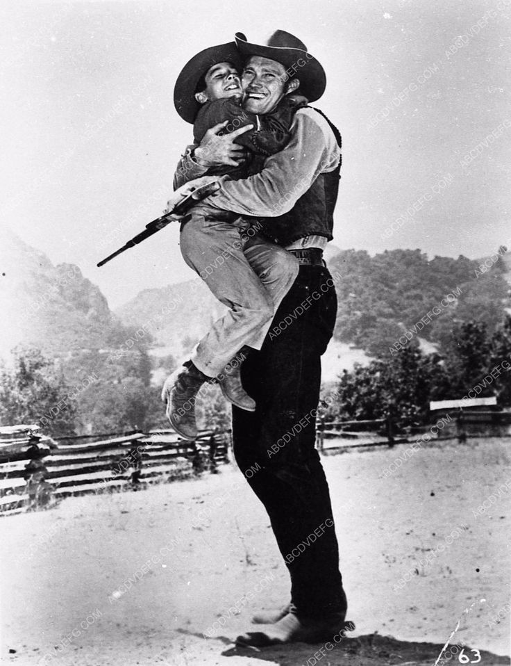 photo Chuck Connors Johnny Crawford western TV show The Rifleman 3110-36