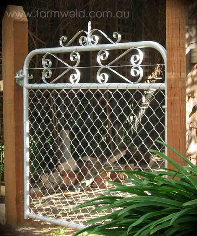 Kensington Vintage Garden Gate With Chain Mesh In