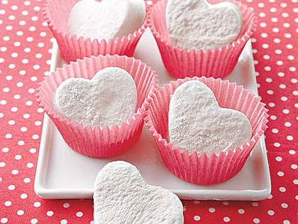 """Heart-Shaped Marshmallows 