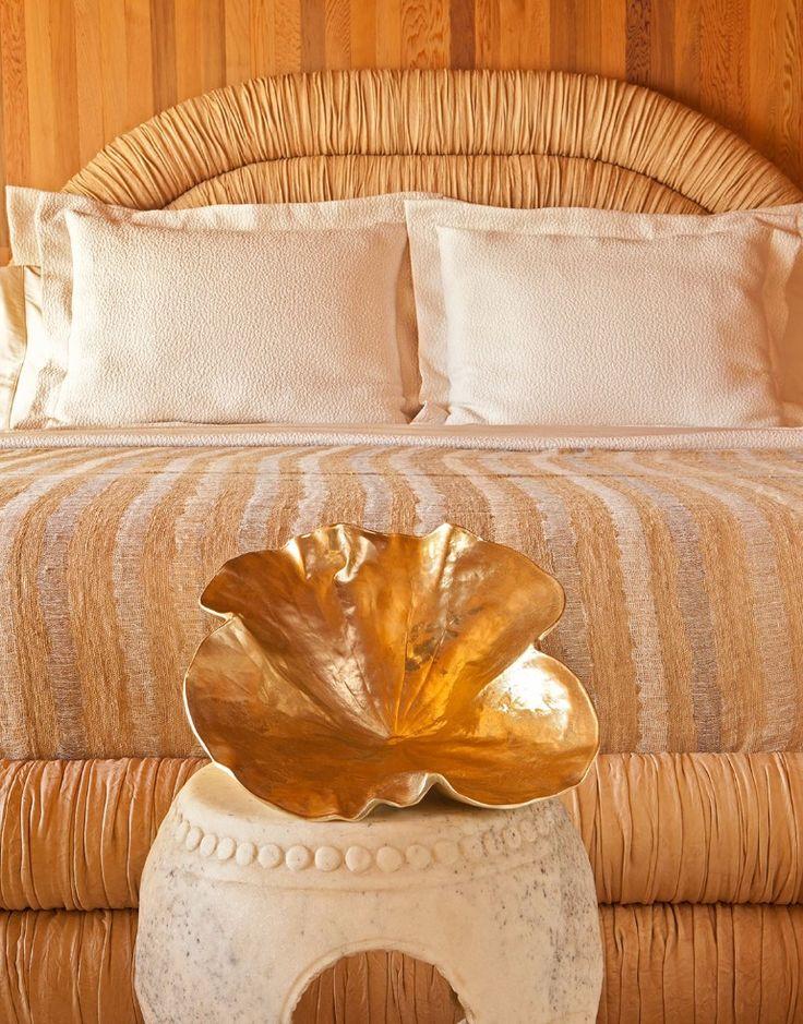 Seal Beacj master bedroom design inspiration by Kelly Wearstler   www.masterbedroomideas.eu #masterbedroom #masterbedroomdesgin #masterbedroomideas #bedroomdecor #bedroomideas #bedroomdesign #bedroominspiration