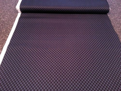 Best match I've found for the check fabric on the wrists and collar of the Army of Light uniform in terms of pattern size. The grey's a little lighter than the screen-used fabric and it doesn't have the ripple effect going, but it should read well. #Babylon5 #cosplay
