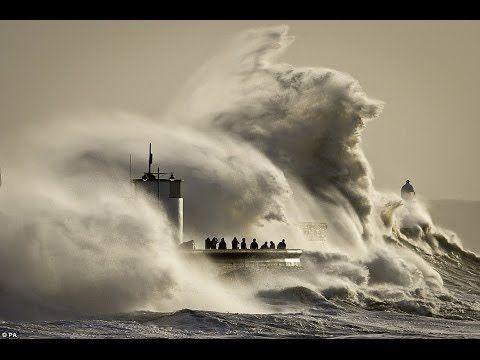 Mega storm Hercules BATTERS Porthleven, Cornwall