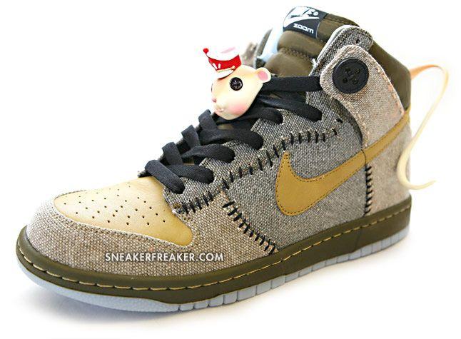 Nike Dunk x Caroline Promo... cute!