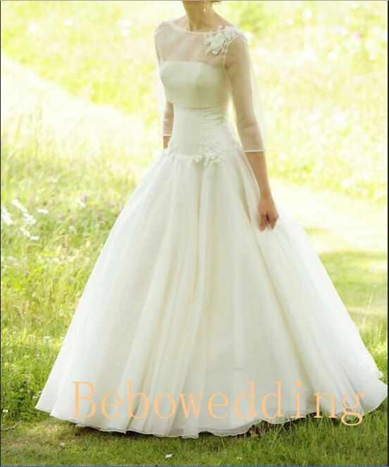 Simple Princess Outdoor Wedding Dress With 3/4 By