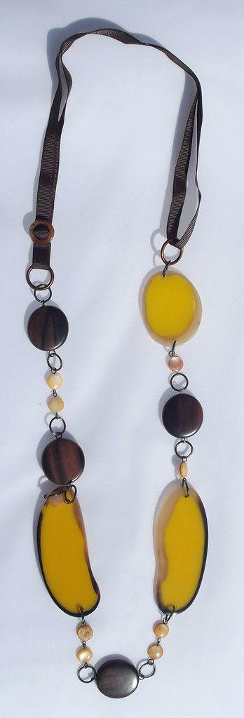 Collana in Resina e Legno - Perle di Bellezza...benessere online!