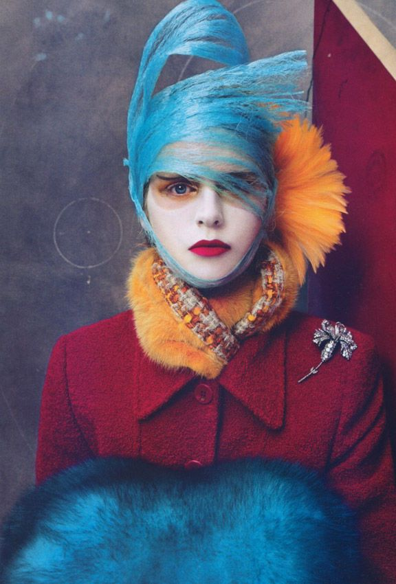 """US Vogue October 2003, titled """"Mad About You"""" / Ph. Steven Meisel"""