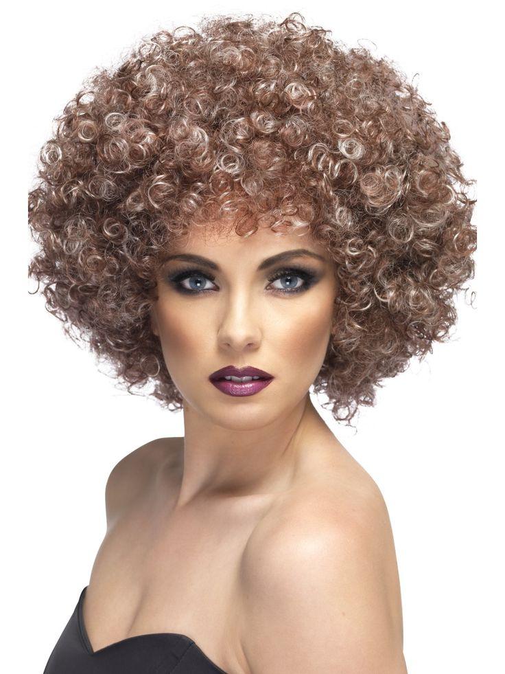 Natural Afro-peruukki. Todellisuudessa afro on luonnonkampaus, hoitamaton ja tehty ilman mitään aineita. Afrosta tuli aikanaan niin suuri menestys että sitä alettiin kopioida ja siitä tehtiin peruukkeja.