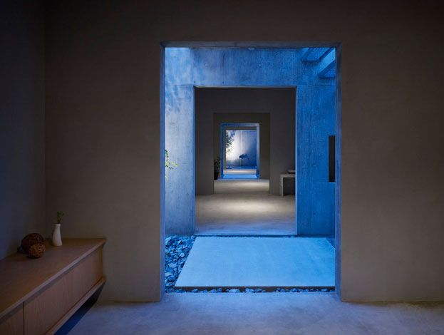 This house in Hiroshima, Japan was designed by Suppose Design Office.: Beautiful Architecture, Japan Interiors, Suppo Design, Blue Lights, Spaces Interiors, Kowami Hiroshima Inside Suppo, Suppos Design, Japan Houses, Design Offices