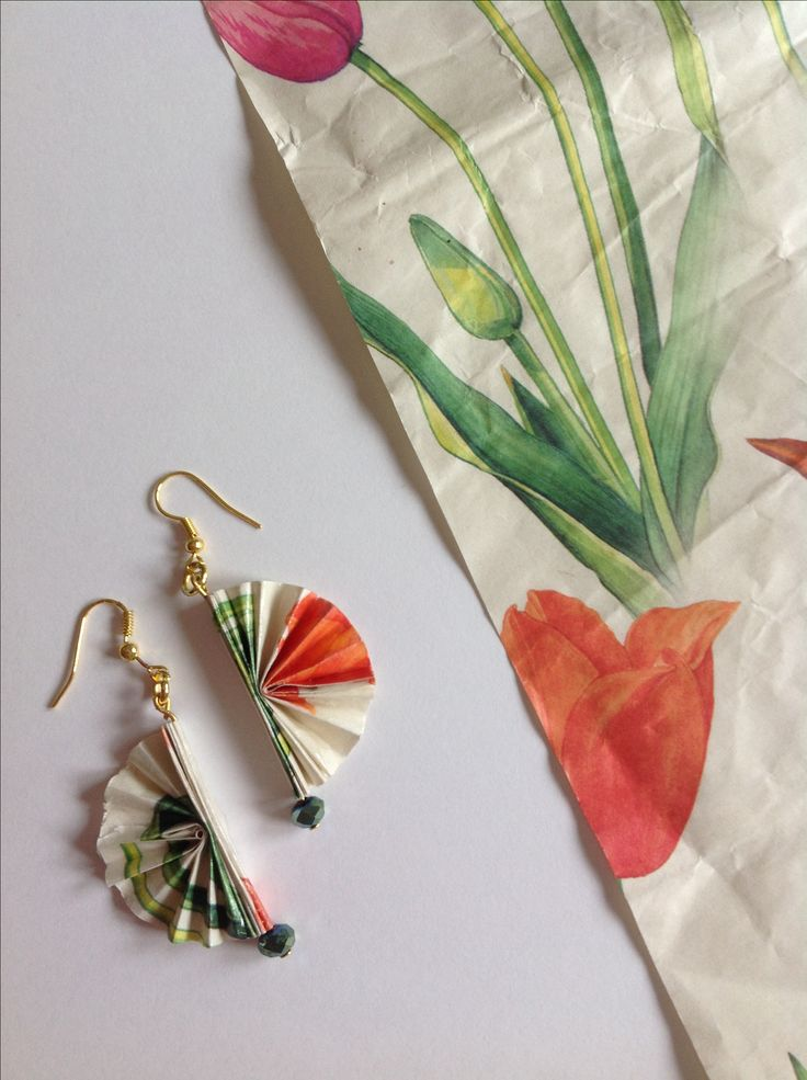 "Origami paper earrings ""ventagli"", by QuillyPaperDesign"