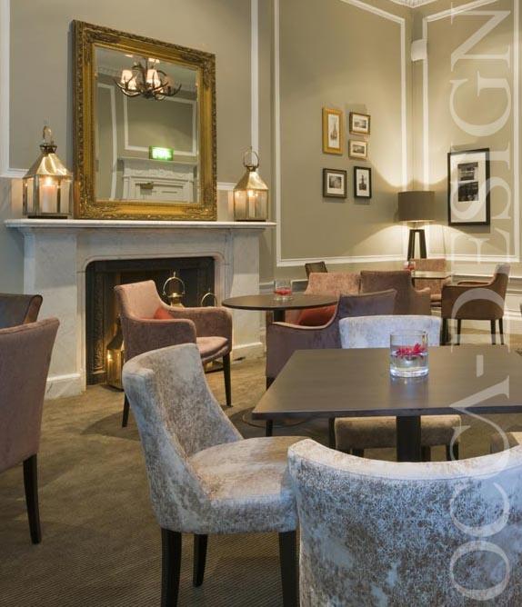 crowne plaza hotel edinburgh hotel club lounge georgian interior meeting table - Traditional Hotel Interior