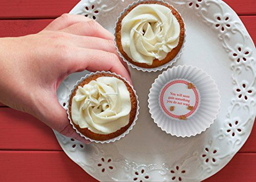 Amazon.com: Fred and Friends FORTUNE CAKES Baking Cups, Set of 12: Kitchen & Dining
