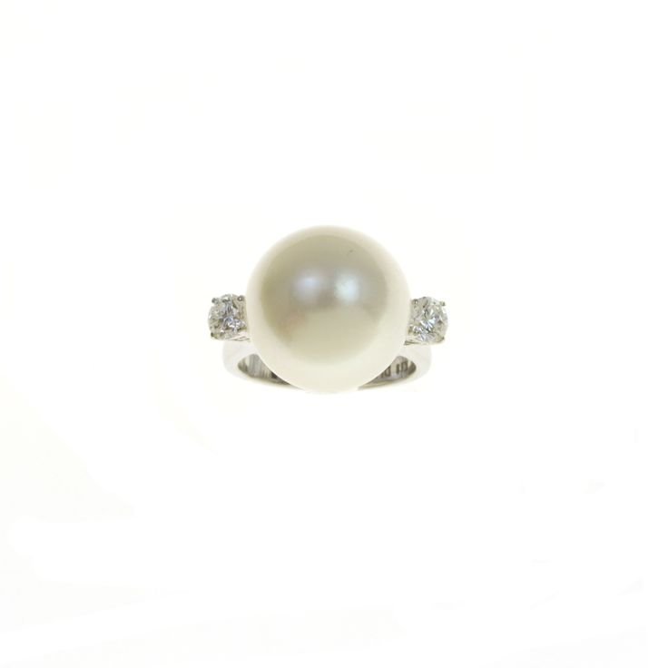 Gold K18 White Diamonds & Southsea Pearl