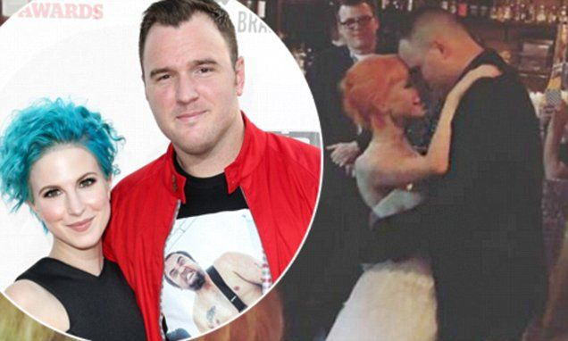 Paramore's Hayley Williams and Chad Gilbert of New Found Glory wed