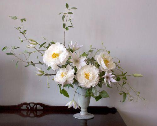 Wedding Ideas: simple-white-yellow-flower