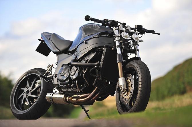 cbr 1200rr blackbird streetfights motos moto bike. Black Bedroom Furniture Sets. Home Design Ideas