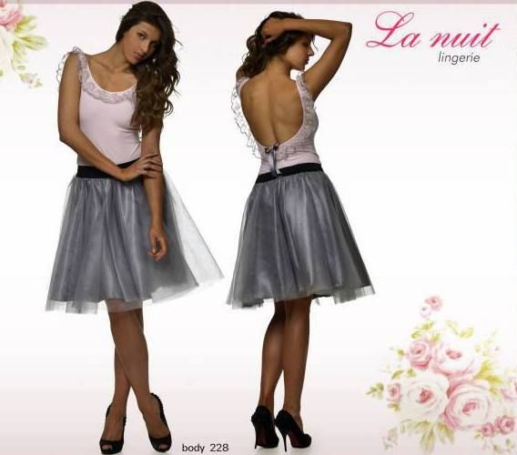 Skirt and romantic body by La Nuit .
