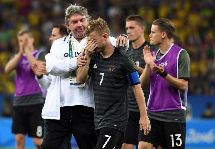 Die deutschen Fußballer haben nach dem verlorenen Finale gegen Brasilien…