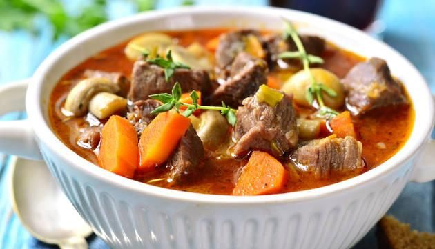 50 Crock-Pot Dinners to Combat Cold Winter Days   #Amazmerizing