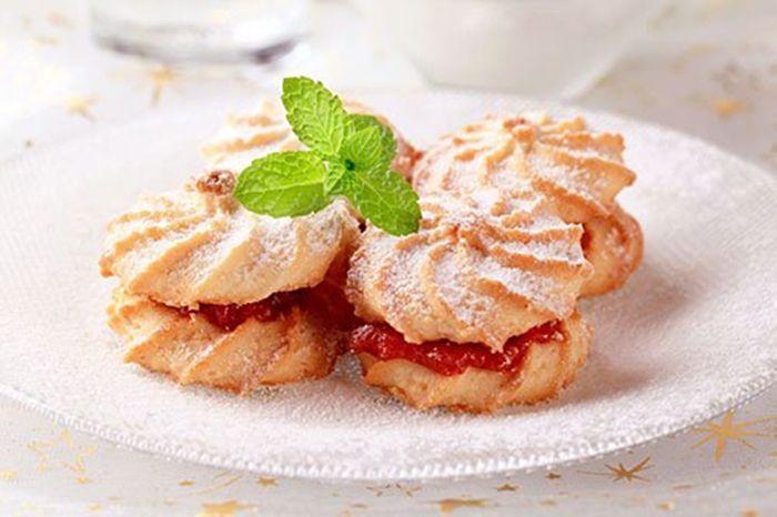 Galletas de Mantequilla Rellenas de Mermelada Te enseñamos a cocinar recetas fáciles cómo la receta de Galletas de Mantequilla Rellenas de Mermelada y muchas otras recetas de cocina..